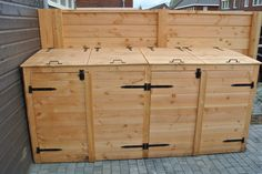 Kliko's mooi weggewerkt met deze ombouw. Bin Storage, Storage Chest, Bin Shed, Trash Bins, Backyard, Projects, Furniture, Home Decor, Gardens