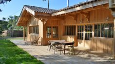 Looking for a Interieur Maison Bois Cap Ferret. We have Interieur Maison Bois Cap Ferret and the other about Maison Interieur it free. Timber Architecture, Architecture Design, Southwest Style, Wooden House, Planer, Facade, Beautiful Homes, Beach House, Pergola