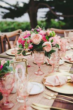 Топ 10 вариантов оформление гостевого стола на свадьбу