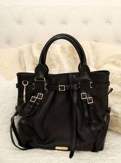 WHIPSTITCH BURBERRY BAG in black