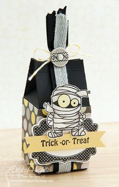 lime doodle: trick or treat--milk carton. Dulceros Halloween, Halloween Treat Boxes, Halloween Paper Crafts, Manualidades Halloween, Halloween Projects, Holidays Halloween, Halloween Decorations, Stampin Up, Doodle Designs