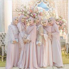 How to Use Credit Card to Build Credit? Dress Brokat Muslim, Kebaya Muslim, Muslim Dress, Muslimah Wedding Dress, Hijab Wedding Dresses, Hijab Bride, Kebaya Hijab, Kebaya Dress, Kebaya Brokat