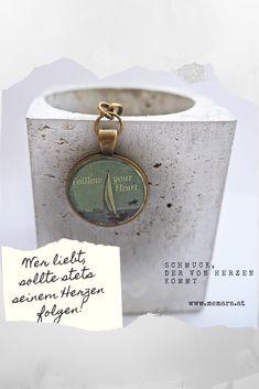 """Schlüsselanhänger """"Follow your Heart"""" mit eingegossenem Feinbeton -  Jetzt in meinem Etsy-Shop: www.etsy.com/shop/memara Shops, Flask, Etsy Shop, Dekoration, Tents, Retail, Retail Stores"""