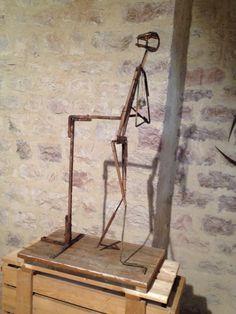 Canova wire sculpture skeleton