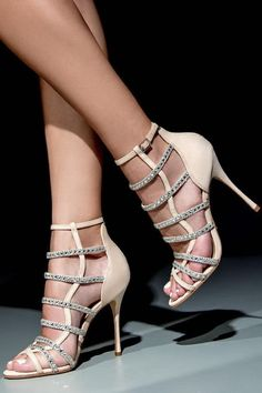 Hit the dance floor ❤️ #schutzfall2016 #sexyheels