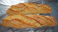 Baguette Inratable Maison - Page 2 sur 3 - Tasties Foods Pan Bread, Cooking Chef, Croissants, Burger Recipes, Hot Dog Buns, Food Hacks, Food And Drink, Favorite Recipes, Grand Bol