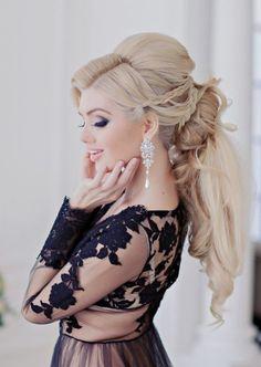 wedding hairstyle idea; photo: Liliya Fadeeva via Websalon Wedding