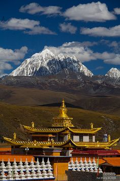 Minya Konka, the highest mountain of Sichuan seen from a buddhist monastery, China