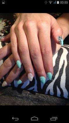 Gel nails blue