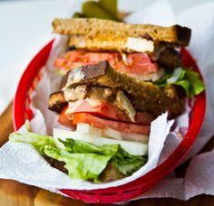vegan-chipotle-sandwich