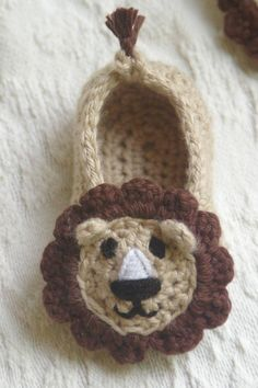 Baby Booties Crochet Pattern pdf for Baby Lion House Slippers Pattern number 103 Booties Crochet, Crochet Baby Booties, Crochet Slippers, Knitted Baby, Baby Bootees, Cute Crochet, Crochet For Kids, Crochet Crafts, Crochet Projects