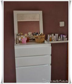 Schlafzimmer Vanity, Bathroom, Beautiful Bedrooms, Armoire, Homes, Vanity Area, Bath Room, Lowboy, Dressing Tables