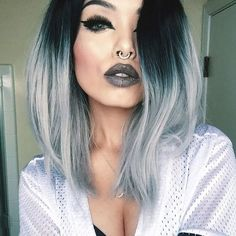 Love your style sooo much,  @dahlia.fox looks so stunning in  her grey ombre bob hair from @evahairofficial  How do you like it? Wig sku: SH012 #fashion #evahairofficial #evahair #grey #ombre #grey