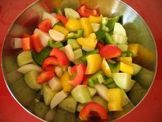 Gazpacho legume Gazpacho, Fruit Salad, Homemade, Food, Fruit Salads, Home Made, Diy Crafts, Meals, Hand Made