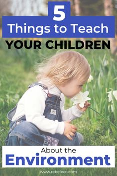 Here is a list of 5 things you should definitely teach your children about sustainable living. Start being an example! Minimalist Parenting, Minimalist Baby, Help The Environment, Healthy Environment, Natural Parenting, Parenting Ideas, Eco Kids, Eco Friendly House, 5 Things