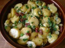 Rețetă Salata calda de cartofi