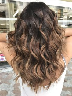 33 schönste trendige schattierte Muster 2019 33 most beautiful trendy shaded patterns 2019 Who has not dreamed of giving in to the trend of shaded [. Brown Hair Balayage, Balayage Brunette, Hair Color Balayage, Brunette Hair, Hair Highlights, Balayage Ombré, Short Balayage, Color Highlights, Haircolor