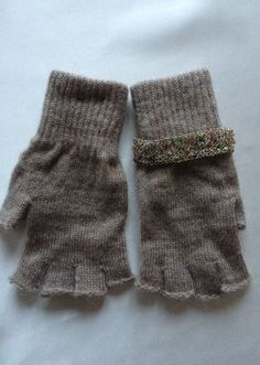 """Linea guanti """"la destra non è  uguale alla sinistra"""" di Marinacrea60 su Etsy https://www.etsy.com/it/listing/259813936/linea-guanti-la-destra-non-e-uguale-alla"""