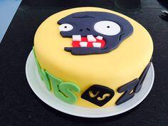 Pastel de fondant plantas vs zoombies | Pasteleria Rivera Zombie Party, Halloween 1, Plants Vs Zombies, Themed Cakes, Birthday Parties, Birthday Cakes, Party Themes, Cake Decorating, Desserts