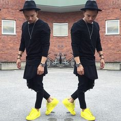 All Black Street Fashion , Yellow Superstars #mensfashion