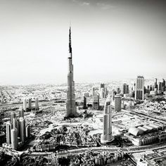 Dubai,... 1 km