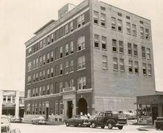 1952 photo of Houston police headquarters, 401 Caroline. Cool