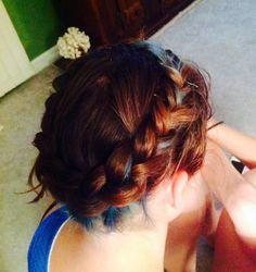Full head, wrap around braid with blue underneath