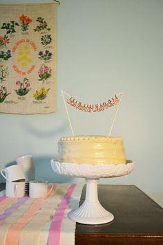 DIY banner cake topper