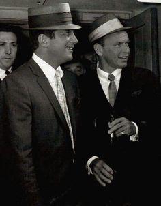 ♥☆♥☆ Hollywood Men, Vintage Hollywood, Hollywood Stars, Classic Hollywood, Dean Martin, Martin King, Humphrey Bogart, Franck Sinatra, Joey Bishop