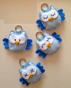 Cute felt owls by jan Cute felt owls by jan The post Cute felt owls by jan appeared first on Berable. Cute felt owls by jan Felt Owls, Felt Birds, Felt Animals, Fabric Crafts, Sewing Crafts, Sewing Projects, Felt Christmas Ornaments, Christmas Crafts, Felt Keychain
