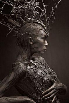 Lunatica Desnuda: Fantastic Russian Tree-Inspired Body Art grimm and fairy photographic art. the tree elf, dryad contemporary fantasy fairytale art Dark Fantasy Art, Fantasy Photography, Body Art Photography, Dark Beauty, Art Plastique, Oeuvre D'art, Artwork, Concept Art, Fine Art