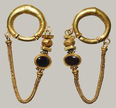 Necklace and earrings, Late Hellenistic, 1st century B.C. Greek Gold, garnet, agate