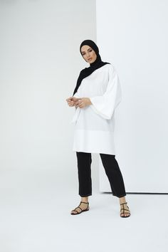 The perfect addition to any Muslimah outfit, shop Rabia Z X Modanisa's stylish Muslim fashion Ecru - Crew neck - Cotton - Tunic. Find more Tunic at Modanisa! Muslim Fashion, Modest Fashion, Cotton Tunics, Fabric Tags, Crew Neck, Women Wear, Normcore, Stylish, Womens Fashion