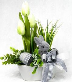 Bildergebnis für stroiki wielkanocne na cmentarz allegro Floral Centerpieces, Floral Arrangements, Easter Holidays, Container Flowers, Baby Bunnies, Arte Floral, Ikebana, Fresh Flowers, Easter Crafts