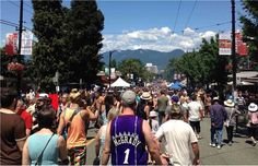 Video: Thousands flood streets for Italian Day in Vancouver