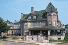 Dubuque, Iowa - Mandolin Inn