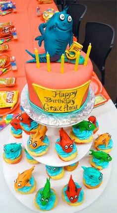 Dr. Seuss One fish two fish cake and cupcakes