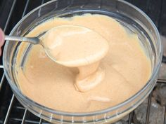 Currys hamburger szósz recept lépés 4 foto Pesto, Hamburger, Icing, Dips, Steak, Hungarian Food, Food And Drink, Cooking Recipes, Ethnic Recipes