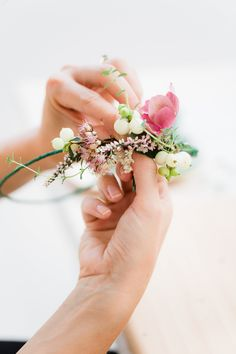 Photography: Anouschka Rokebrand - anouschkarokebrand.com Read More: http://www.stylemepretty.com/2014/11/20/bridal-shower-flower-workshop/