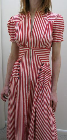 1940s summer striped cotton dressing gown. Great construction, look at the waist & shoulder details. 1940s Dresses, Vintage Dresses, Vintage Outfits, Vintage Clothing, Vintage Patterns, Vintage Sewing, Fashion History, 1930s Fashion, Retro Fashion