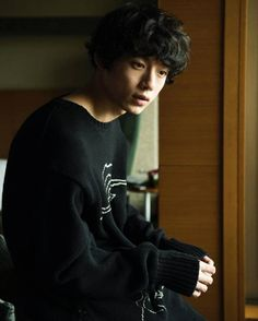 And I fell for you like the blossom from the cherry trees Asian Boys, Asian Men, Beautiful Men, Beautiful People, Kentaro Sakaguchi, Song Joong, Ken Tokyo Ghoul, Human Reference, Japanese Boy
