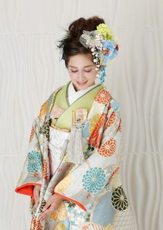W5 Japanese Kimono, Japanese Fashion, Wedding Kimono, Wedding Dresses, Traditional Wedding Attire, Wedding Notes, Japanese Wedding, Harajuku Girls, Oriental