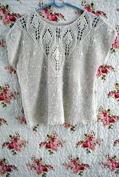 distinctdystopia:    knit shirt on Flickr.