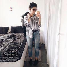 26 anos, Belo Horizonte, Brasil  Dona do blog Teoria Criativa  Consultora de estilo no @chacomgabi