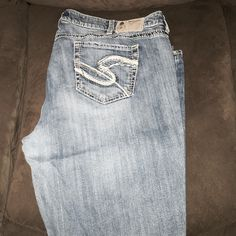 Silver Jeans Eden cut.  Boot cut.  A little wear in the bottom. Silver Jeans Jeans Boot Cut