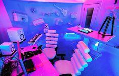 7 Insanely Cool LED Light Setups For Music Studios (We Love – Bradlie Jones – Audioroom Music Studio Decor, Home Studio Setup, Home Studio Music, Studio Ideas, Gaming Room Setup, Gaming Rooms, Home Music, Dj Music, Neon Bedroom