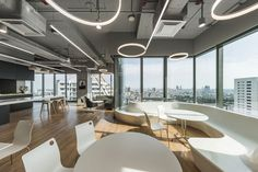 Mercedes-Benz Thailand Headquarters,© W Workspace