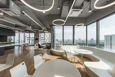 Mercedes-Benz Thailand Headquarters,© W Workspace