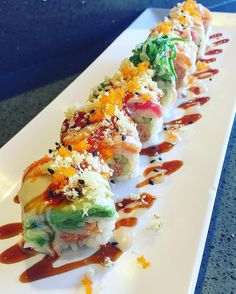 everybody-loves-to-eat - Posts tagged sushi Seafood Recipes, Cooking Recipes, Sushi Roll Recipes, Sashimi, Asian Recipes, Healthy Recipes, Aesthetic Food, Food Cravings, I Love Food