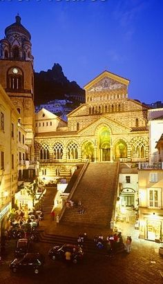 our favorite European spot! Amalfi Coast, Amalfi Italy, Time Travel, Places To Travel, Places To Visit, Travel Channel, Grand Tour, Travel Memories, Sorrento